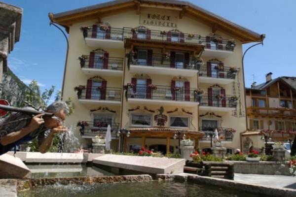 hotel_paganella_091A8E8D4C1-6A2A-C098-43A8-D0150F89E6C8.jpg